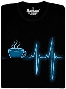 Ranní kafe a vliv na tep srdce - černé pánské tričko