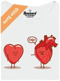 Fake srdce - bílé dámské tričko s potiskem