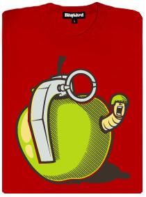 Granátové jablíčko s červíčkem vypadající jako opravdový granát