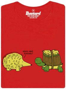 Želva s kartáčem na krunýři aby vypadala jako ježek