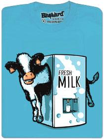 Mlékomat - automat na čerstvé mléko s nápisem fresh milk