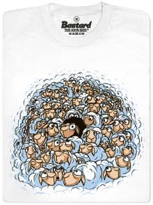 Černá ovce vyčnívající z davu bílých ovcí - bílé pánské tričko