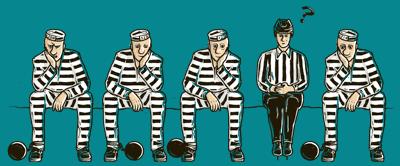 Nevinný rozhodčí mezi vězni na trestné lavici