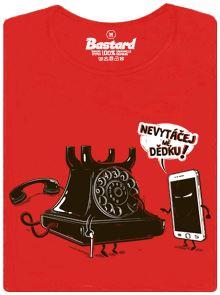 Mezigenerační střet telefonů - červené dámské tričko