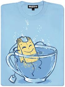 Relax čajového sáčku v hrnku horké vody - modré dámské tričko s potiskem