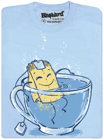 Relaxující čajový sáček v hrnku - modré pánské tričko