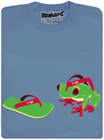 Živá žabka kouká na žabku na nohy