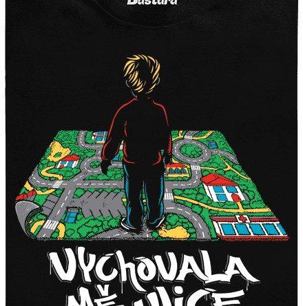 Dětský koberec ulice - černe dámské tričko
